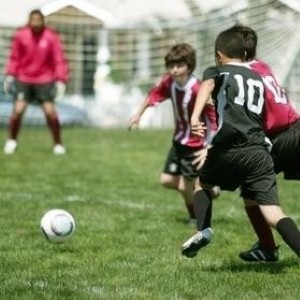 5 ways to keep kids healthy this summer